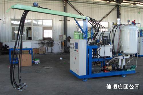 高压无空气发泡机确保聚氨酯泡沫保温性能
