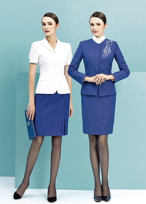 女性職業裝