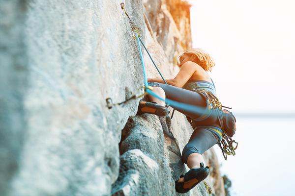 拓展活动--攀岩