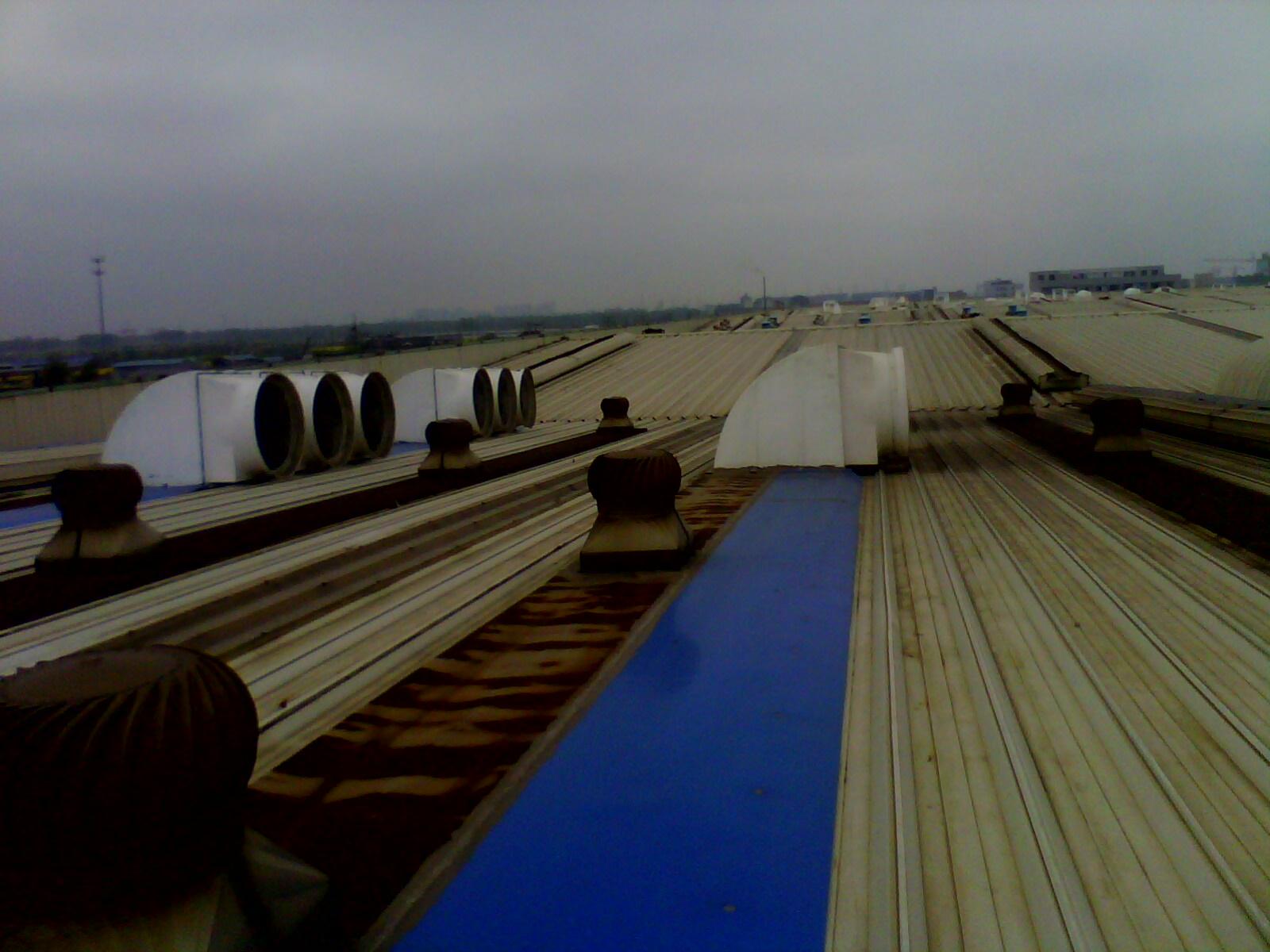 0。75KW,1450*1450*580mm,45000立方米/小时,6叶玻璃钢,可以屋顶安装,也可以墙壁 安装,带百叶窗和防护网。喇叭风机,喇叭扇,负压排风扇,负压排风机