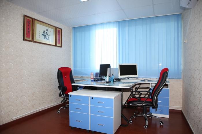 简洁透亮的EAP办公室