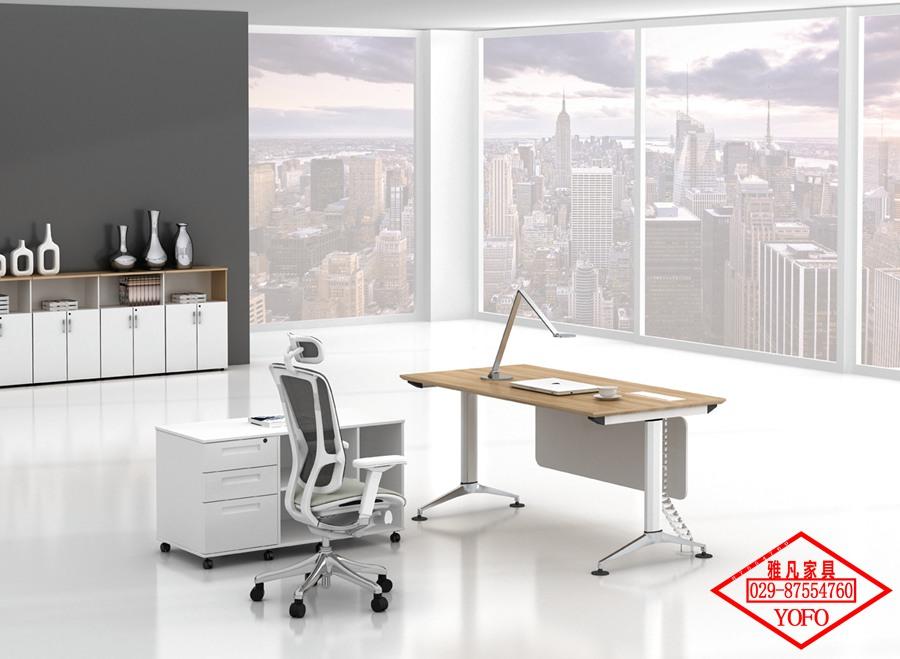 钢架办公家具